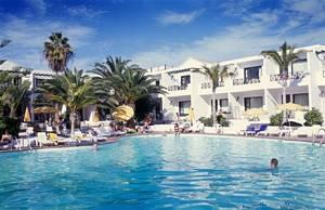Playa Club Apts.