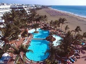 Suite Fariones Playa Aparthotel